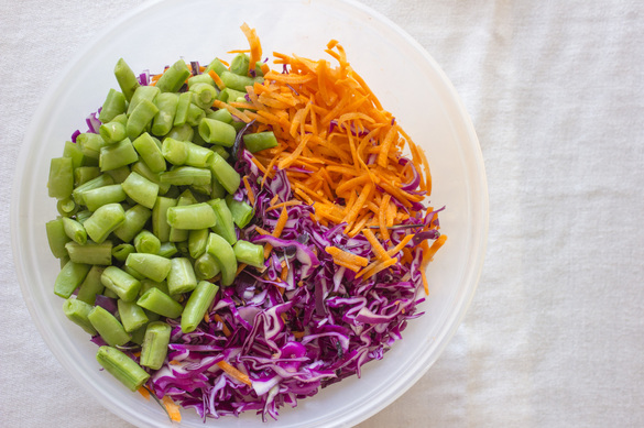Spicy Peanut Cabbage Slaw | www.thealiconklin.com